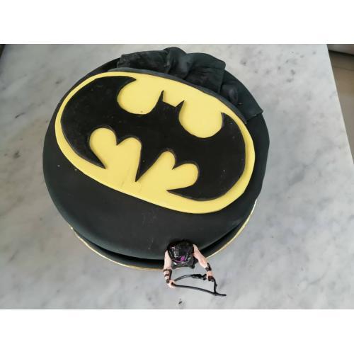 قالب كيك بشكل باتمان